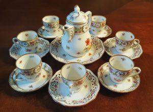 Chinaware cups.