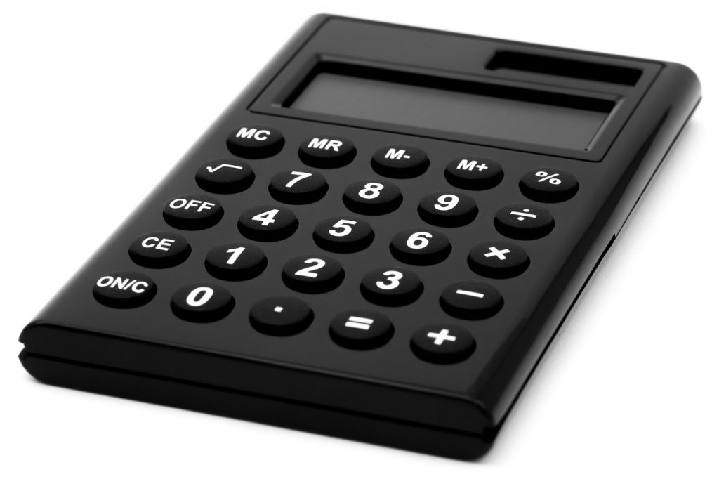 A calculator to set the cost when buying a property in Salinas.