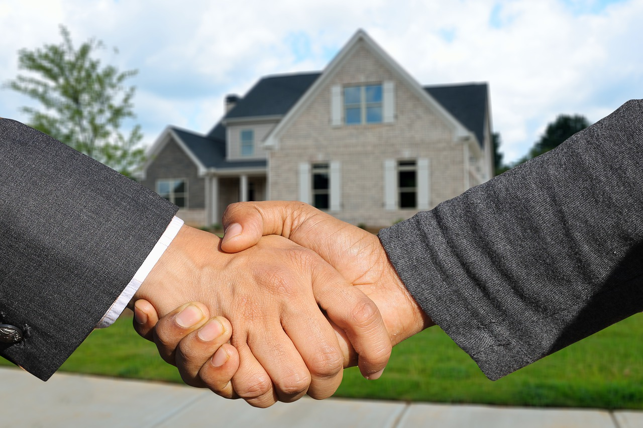 A handshake once you decide what kind of property in Salinas you should buy.