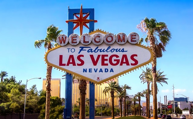 Renting a place in Las Vegas because of a sign.