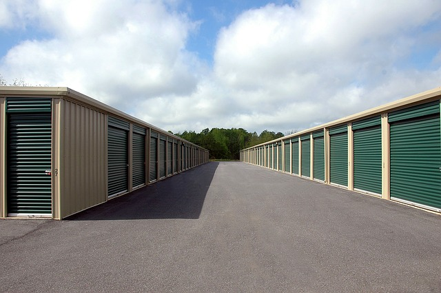 Renting a storage unit when downsizing your home in Hilliard.